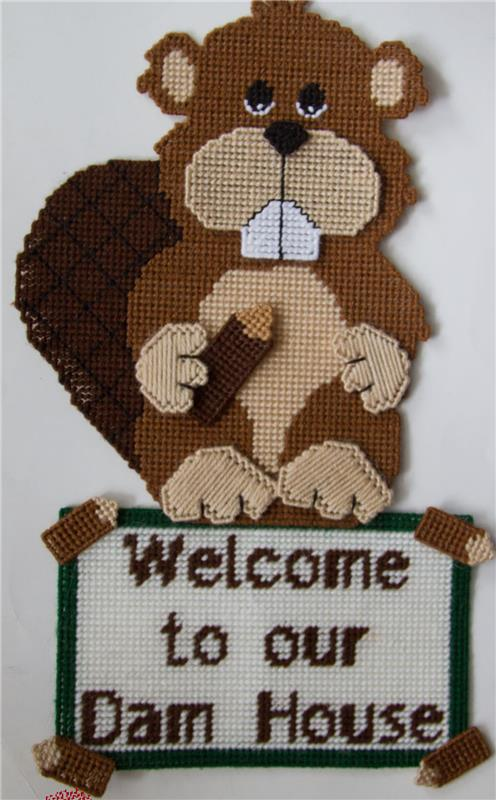 "/""Welcome to our Dam House/"" Beaver-Plastic Canvas Pattern or Kit"